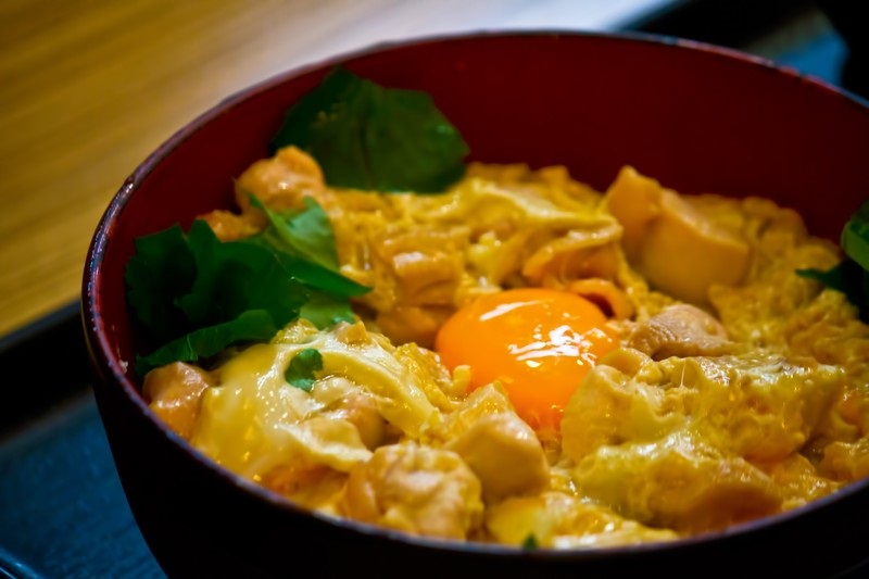 温泉卵のおすすめの食べ方3: できあがった料理のトッピングに使う